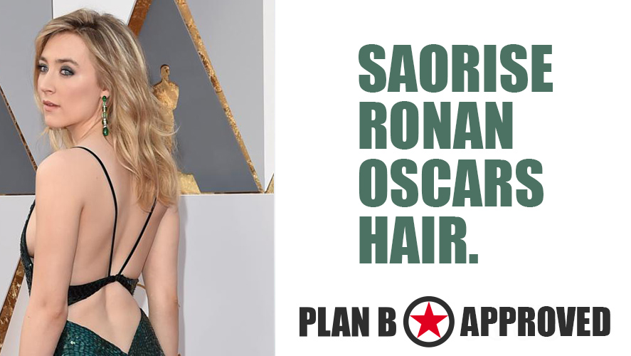 saorise-ronan-oscar-hair-beach-loose-waves-curls